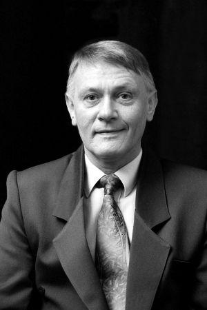 prof. UAM dr hab. Bronisław Nowacki